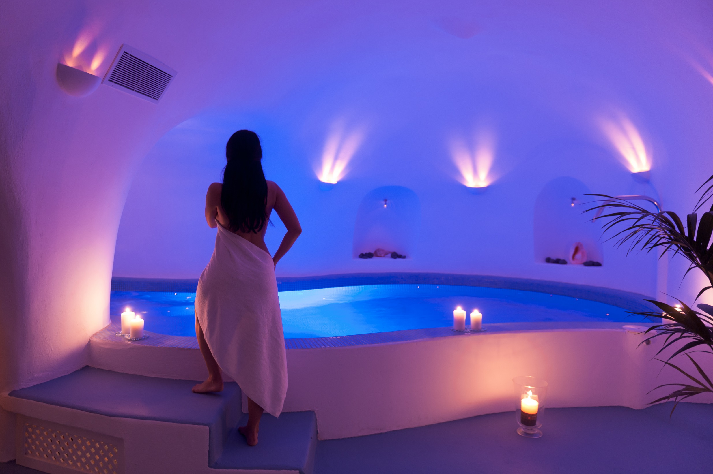 Heated Pool with jacuzzi & hydrotherapy